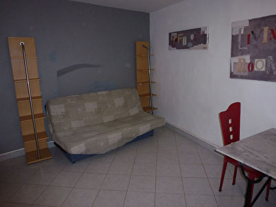 Appartement Studio SEMI MEUBLE, Narbonne